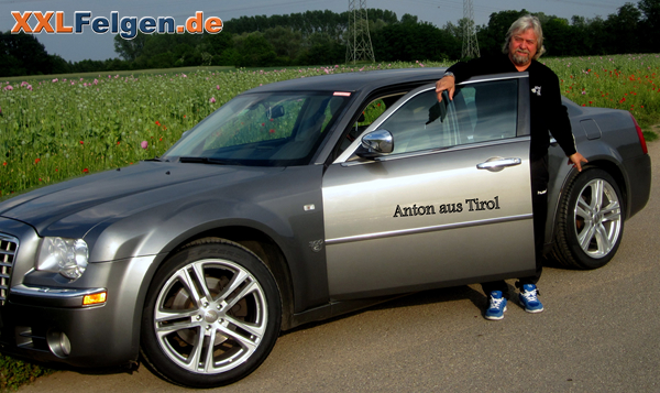 anton aus tirol mit seinem chrysler 300c und dbv mauritius. Black Bedroom Furniture Sets. Home Design Ideas