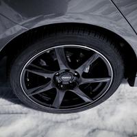 DEZENT TW dark Felgen und Reifen