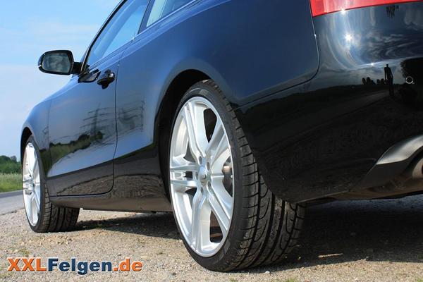Audi A5 mit silbernen Alufelgen DBV Mauritius